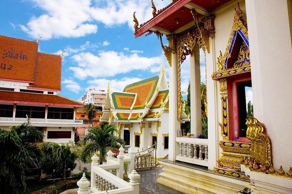 Wat Chai Mongkol-pattaya-thailand1