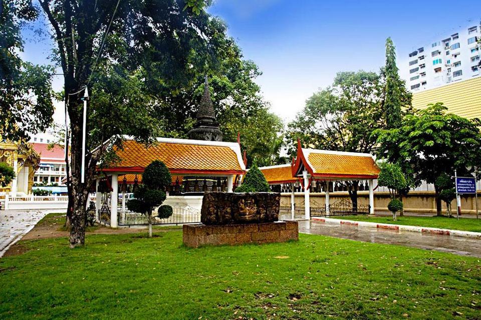 Wat Chai Mongkol-pattaya-thailand3
