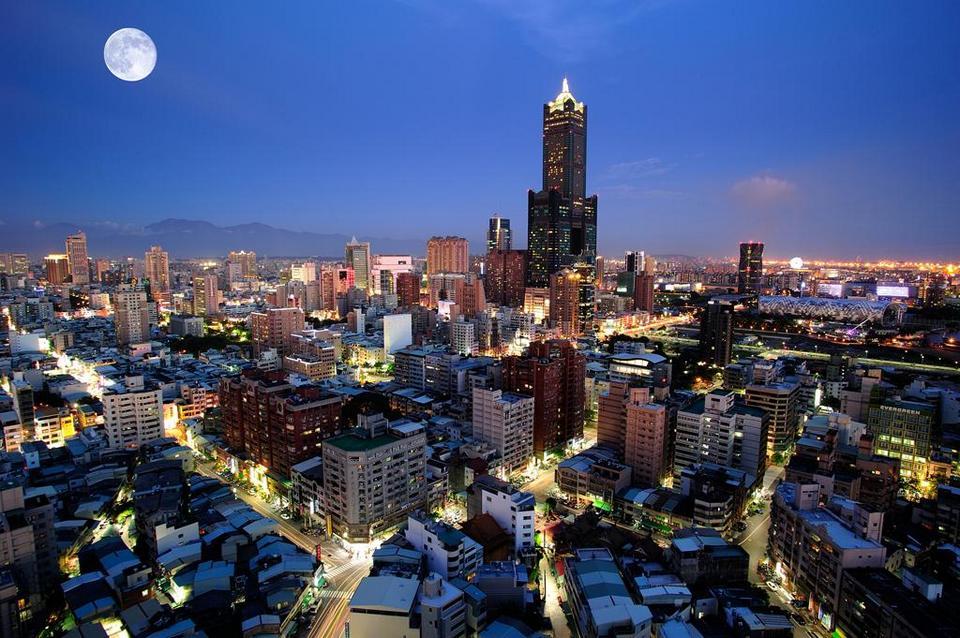 85-sky-tower-exterior Kaohsiung Taiwan