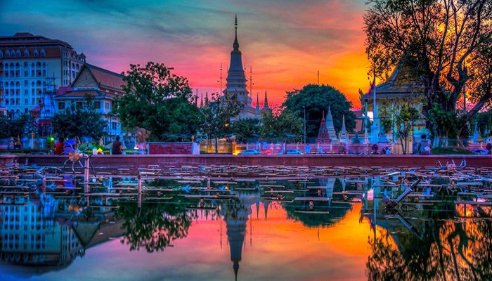 Phnom-Penh-at-Sunset phnom penh travel blog phnom penh travel guide phnom penh blog 2018