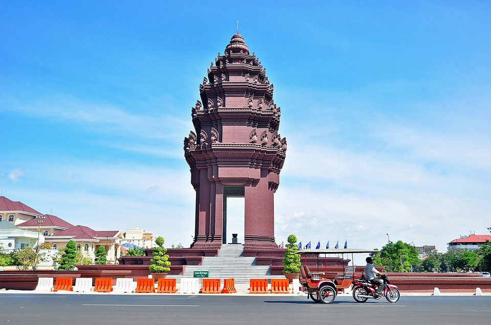 independence monument-phnom penh1