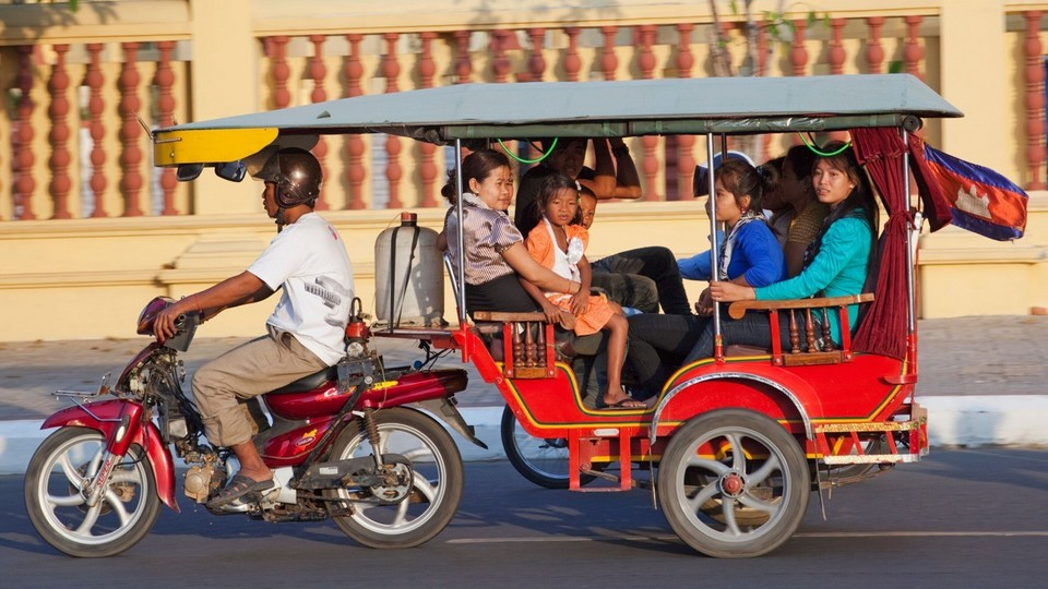 phnom-penh-city-tuk tuk phnom penh travel blog phnom penh travel guide phnom penh blog 2018