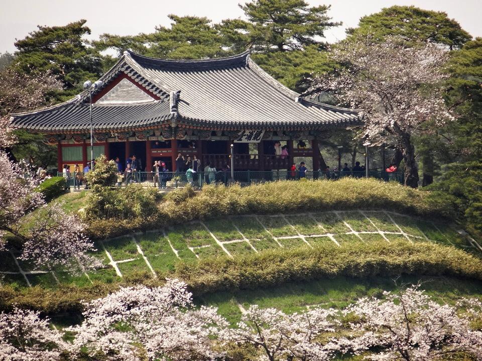 Gyeongpodae Palace