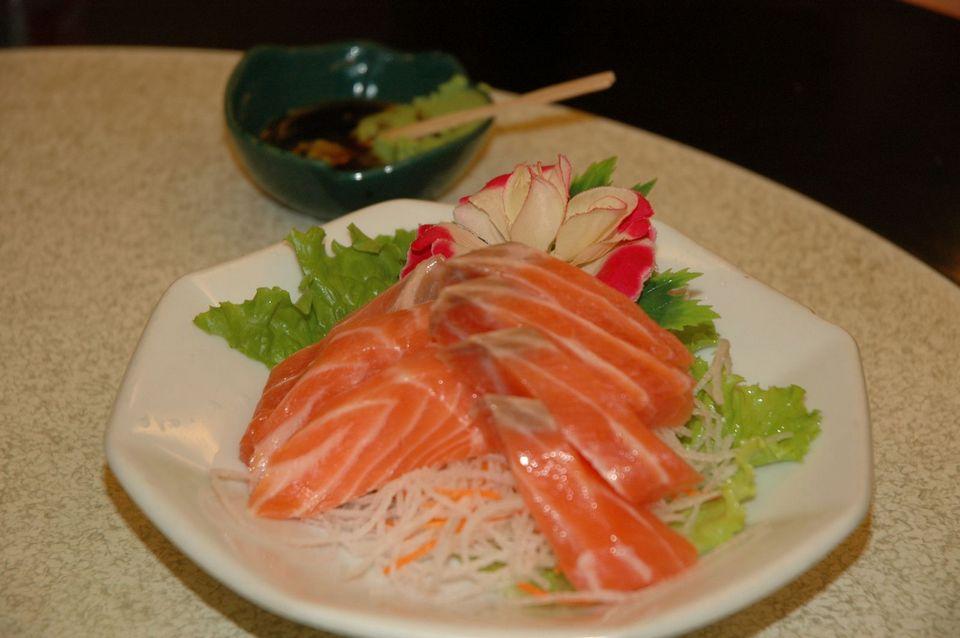 Salmon Sashimi (local Taiwanese salmon)