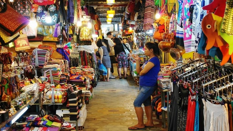 market in phnom penh