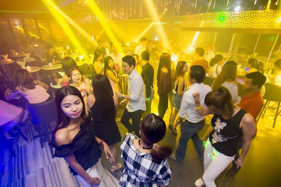 nightlife in phnom penh2