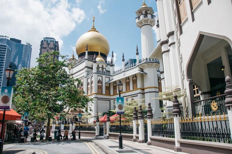 Burgis (Arab) in Singapore
