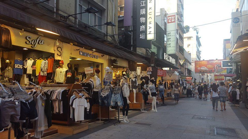 Clothing shops at Xin Jue Jiang Night Market, Kaohsiung