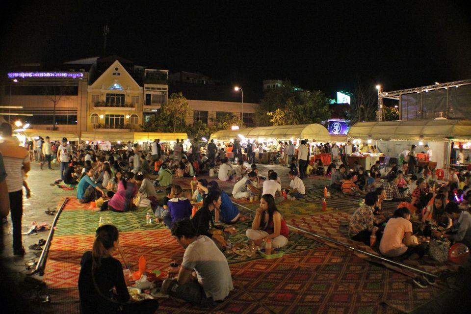 Phsar Reatrey Night Market, Phnom Penh