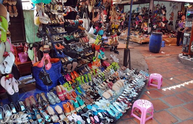 Shoe-shop-at-Kandal-Market-Phsar-Kandal-in-Phnom-Penh-Cambodia