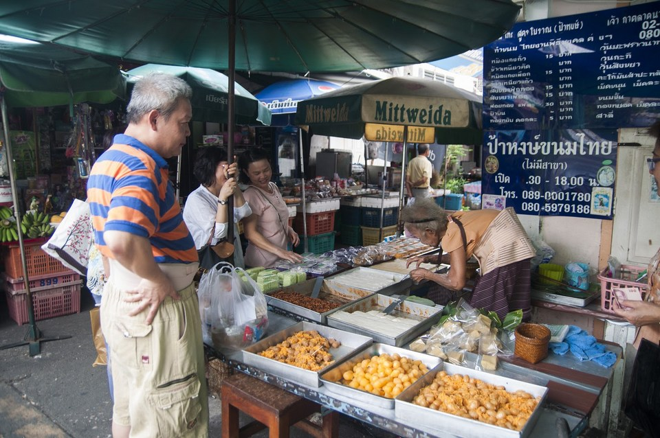 Nang Loeng Market is a Thai dessert heaven. best places to eat in bangkok where to eat in bangkok top places to eat in bangkok
