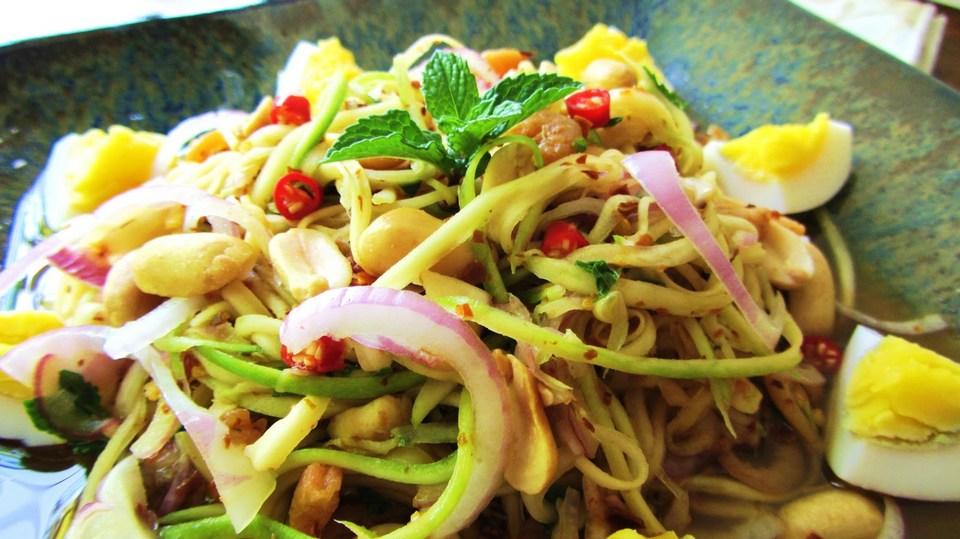 Yam Tamu Ma Pla (green mango salad)