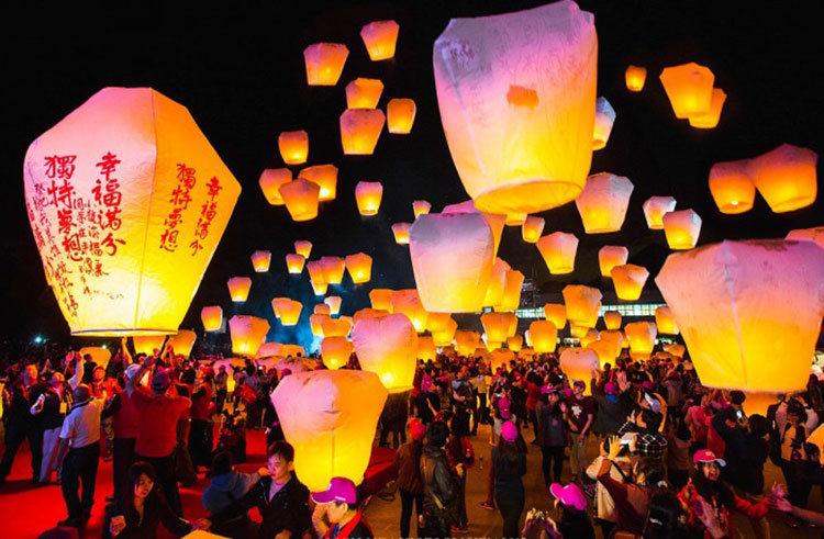 Sky lanterns in Taiwan taiwan lantern festival 2018 taiwan lantern festival 2018 dates lantern festival taiwan 2018 dates