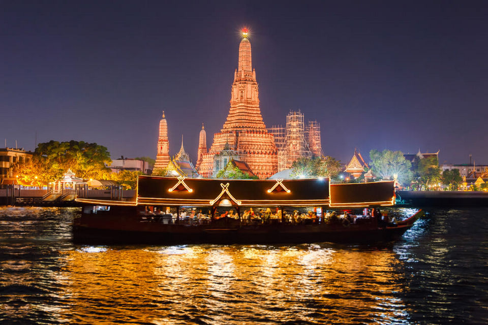 Cruise on the Chao Phraya River