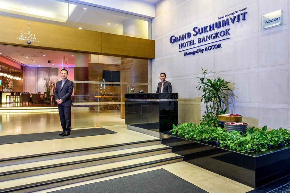 Sheraton Grand Sukhumvit lobby