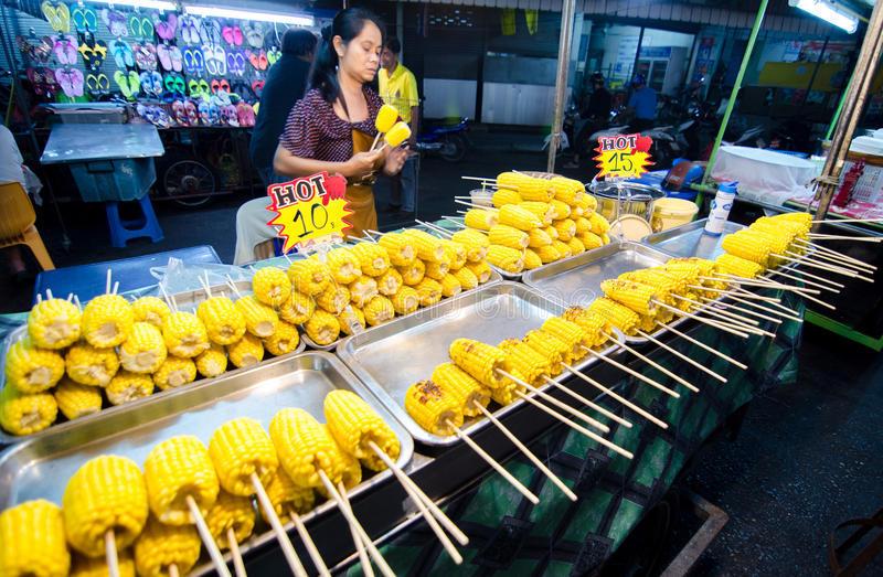 mgrilled-corn-street-huahin