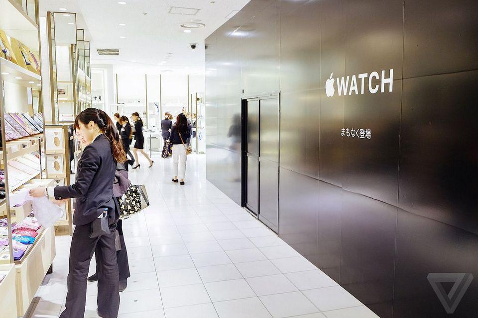 Apple rubs shoulders with Cartier at Isetan
