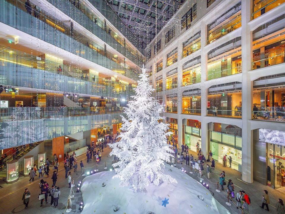 Inside KITTE best shopping malls in tokyo tokyo shopping guide tokyo shopping center shopping area in tokyo