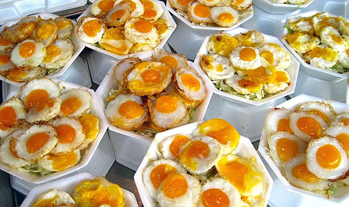 Baked quail eggs-chatuchak-market-thailand1 chatuchak market food chatuchak food guide chatuchak food blog