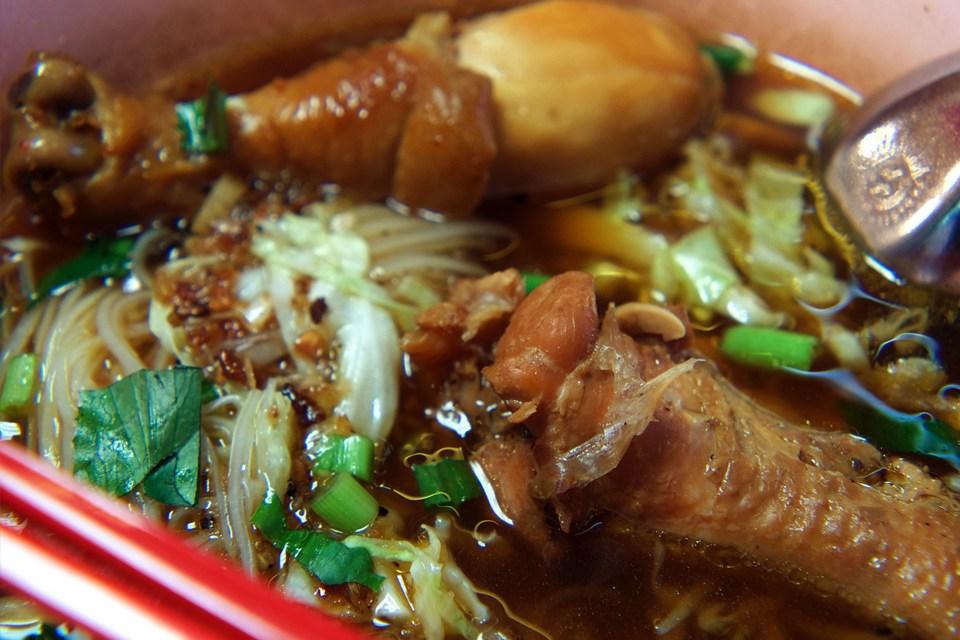 Chicken noodles-chatuchak-bangkok-thailand
