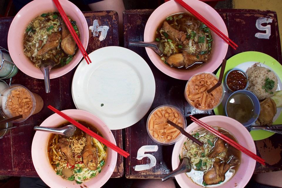 Chicken noodles-chatuchak-bangkok-thailand3 chatuchak market food chatuchak food guide chatuchak food blog