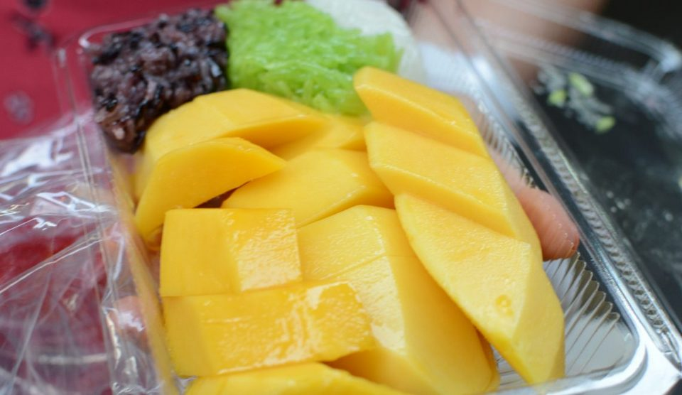 Mango & Sticky Rice-chatuchak-bangkok-thailand2 chatuchak market food chatuchak food guide chatuchak food blog