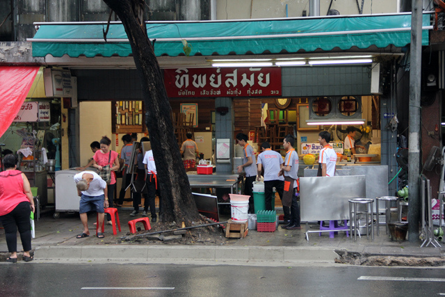 Pad Thai-chatuchak-food-in chatuchak market-bangkok4