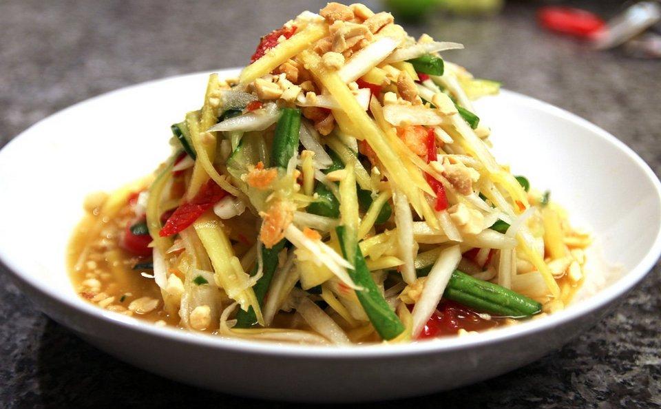 Papaya salad-chatuchak-bangkok-thailand
