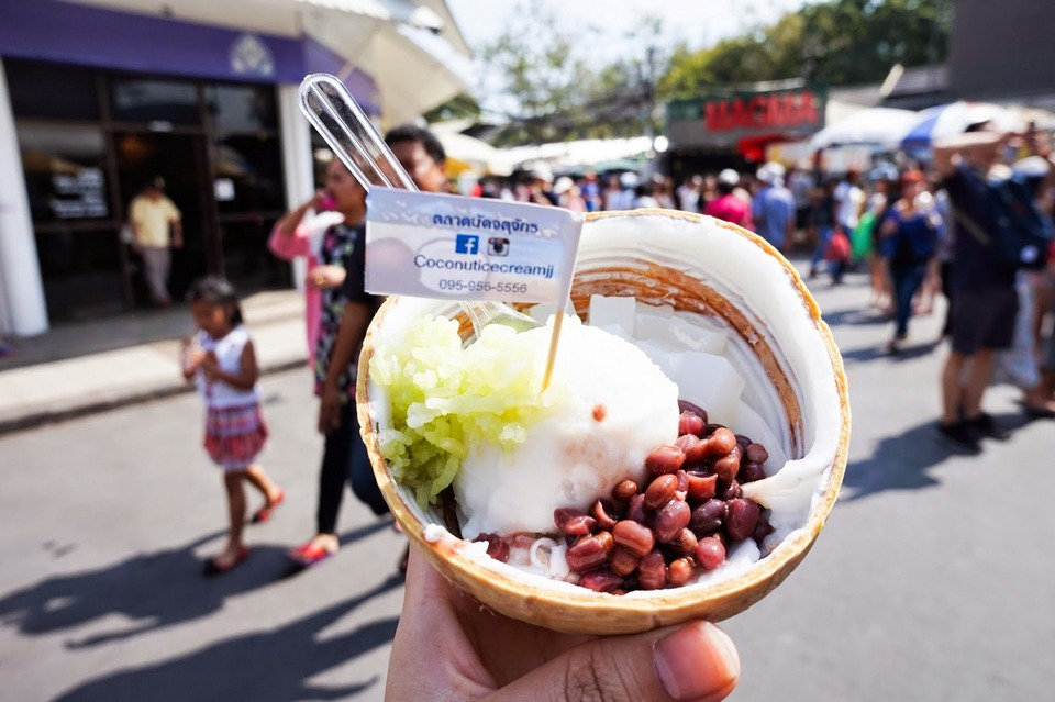 coconut ice cream-chatuchak-market (5)
