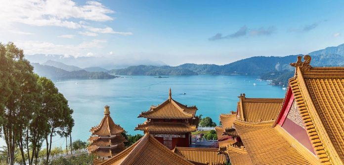 how to get to sun moon lake from taichung