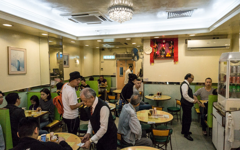 Basic interior of Mak's Noodle famous restaurants in hong kong where to eat in hong kong blog