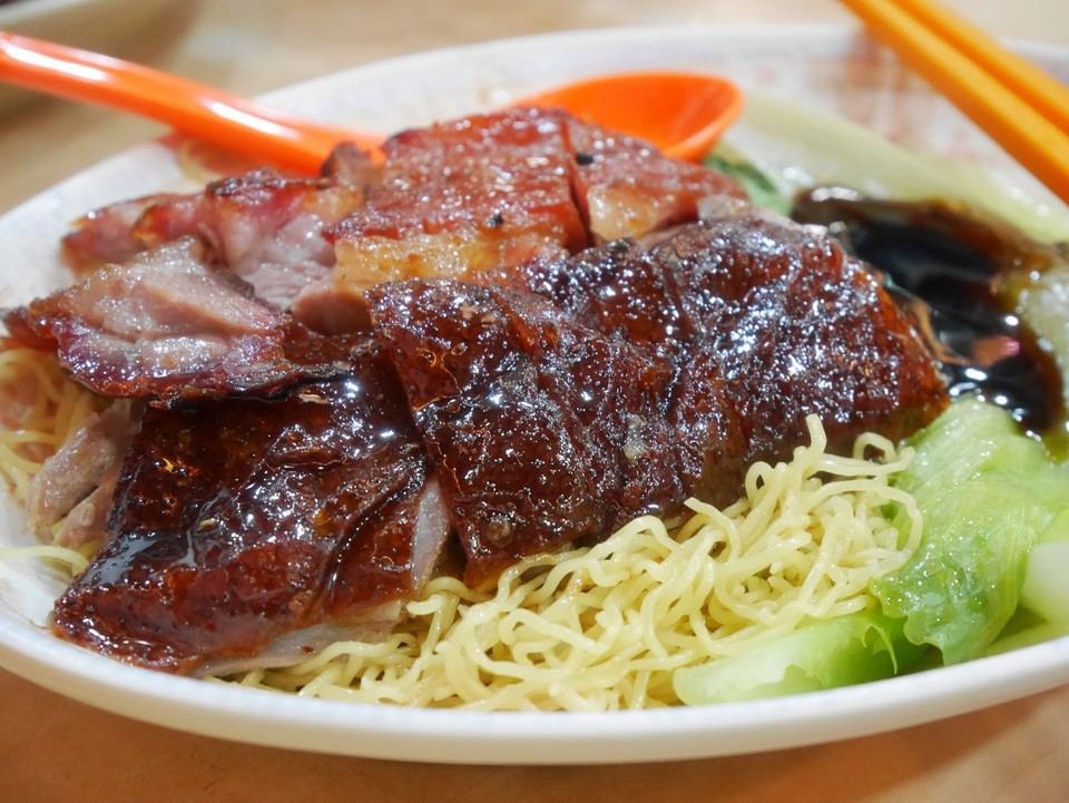 Yat Lok roast goose Photo by: where to eat in hong kong blog.