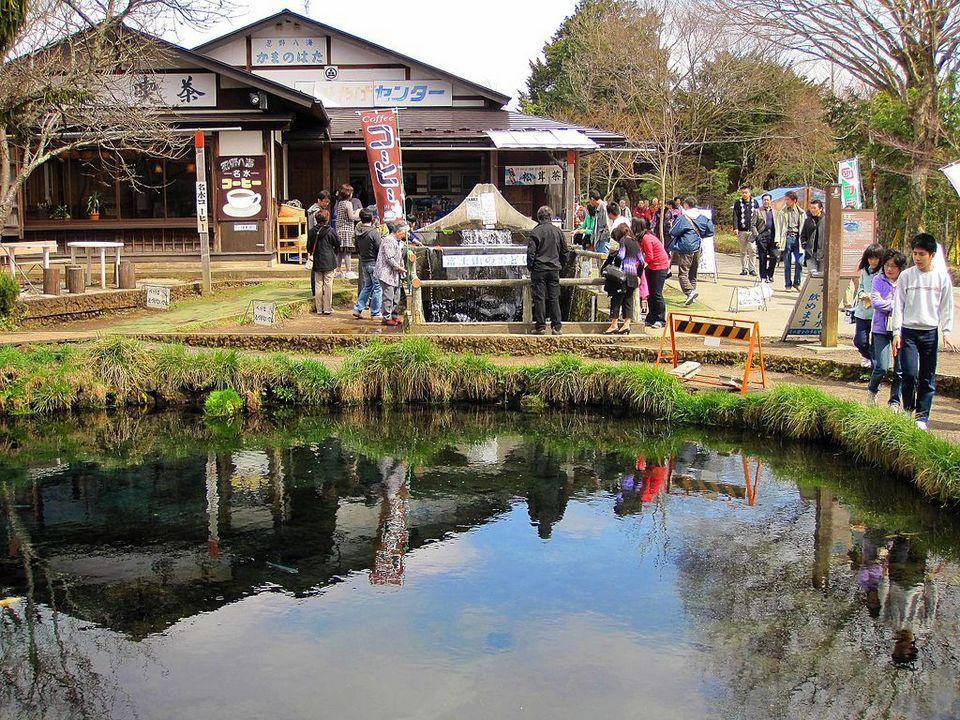 Oshino Hakkai-fuji-japan12
