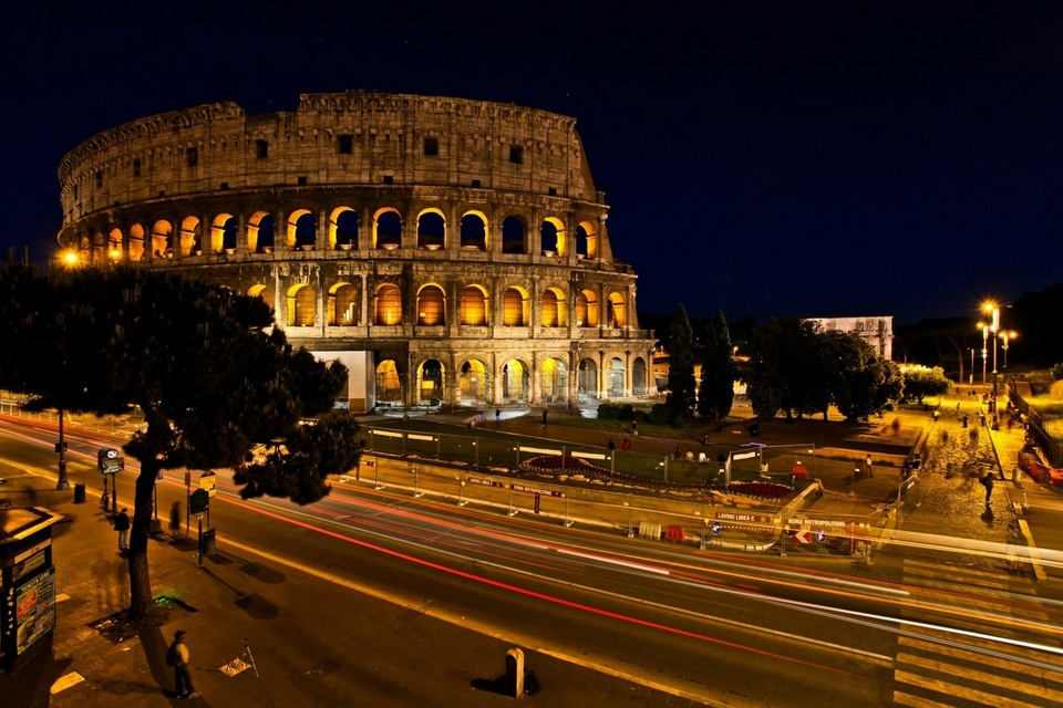 italy-rome-nightlife1 Image by: rome 1 day itinerary blog.