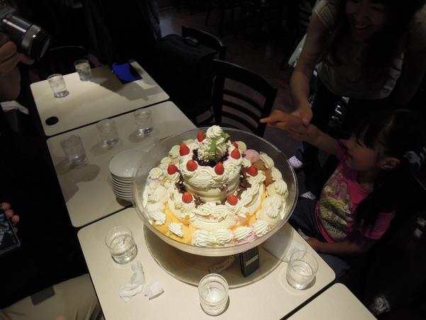 Japan's Largest Ice Cream at Yukijirushi Parlor-hokkaido-japan1