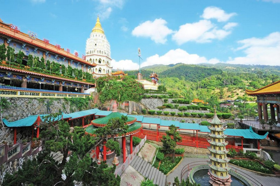 Kek Lok Si Temple Penang Image by: penang travel blog.