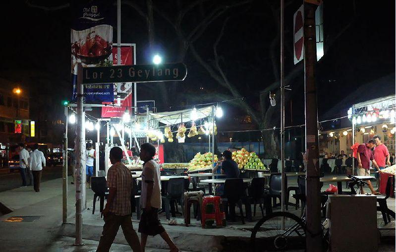 Geylang-night street-singapore6