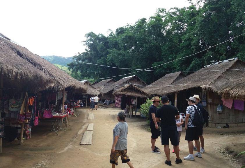 3karen village chiang mai karen village thailand karen long neck village chiang mai (11)