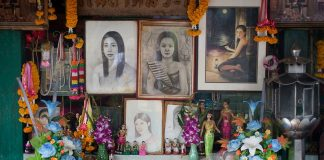 1ghost of mae nak mae nak phra khanong mae nak shrine mae nak temple wat mahabut temple