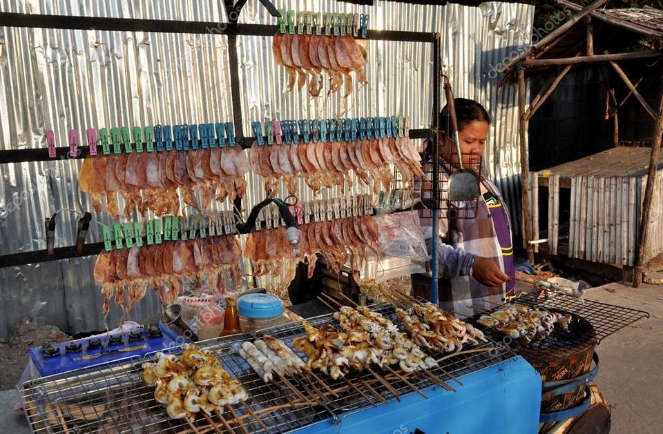 Bang Saen Beach-things to do in pattaya beaches-thailand5