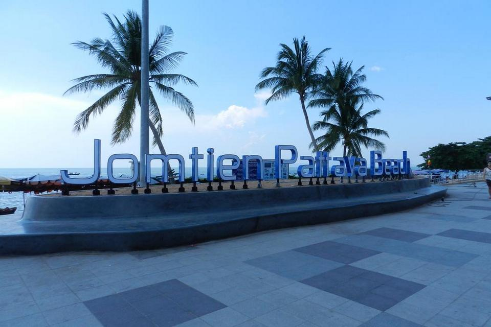 Jomtien-pattaya beach-thailand-best things to do in pattaya beaches3