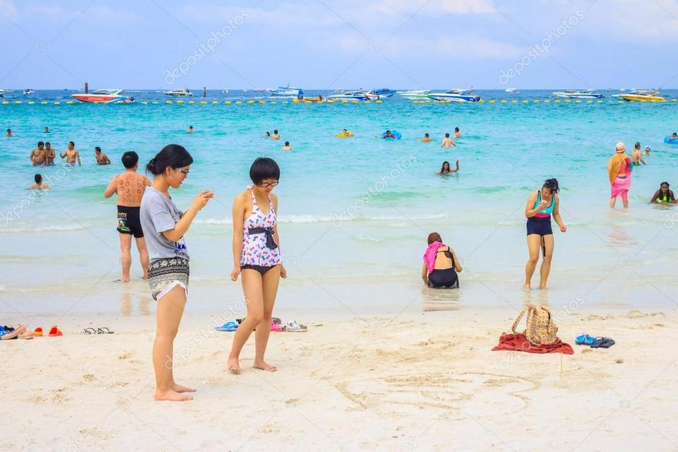 Koh Larn beach-things to do in pattaya beaches-thailand5