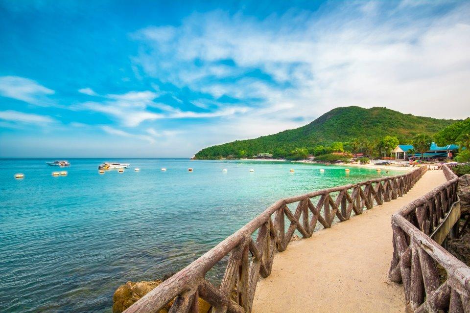 Koh Larn beach-things to do in pattaya beaches-thailand6