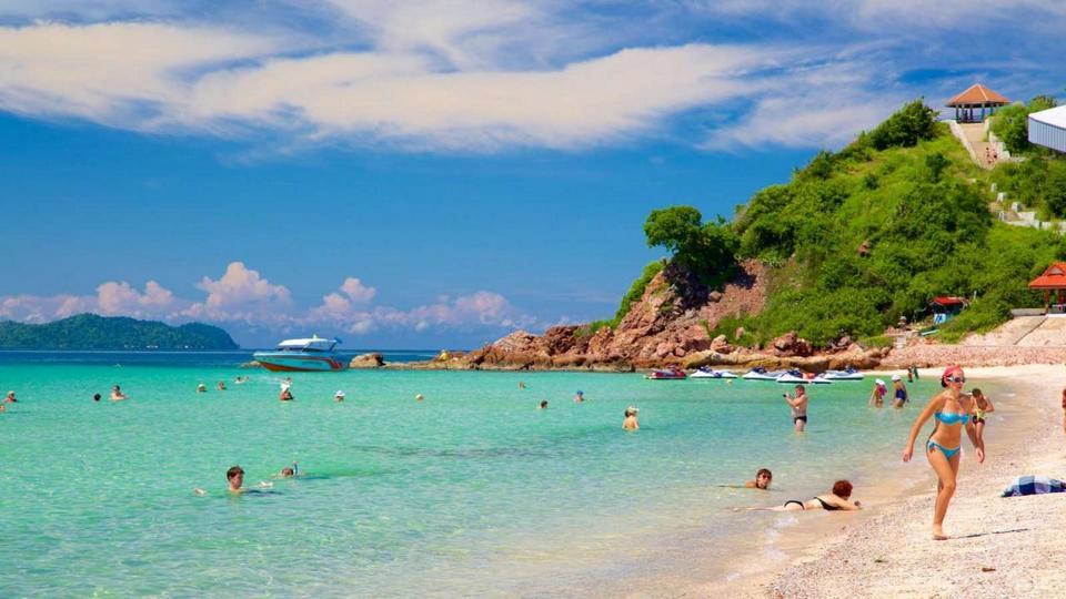 Koh Larn beach-things to do in pattaya beaches-thailand8