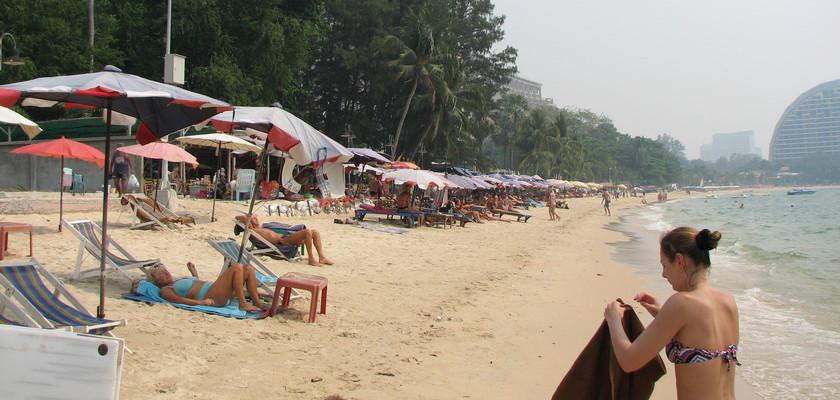 Naklua Beach -things to do in pattaya beaches-thailand6