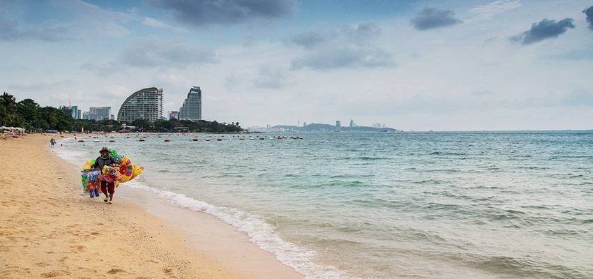 Wong Amat beach-things to do in pattaya beaches-thailand7