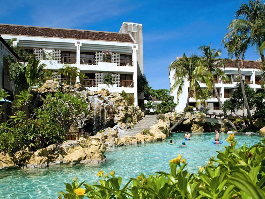 Yoho Beach Resort