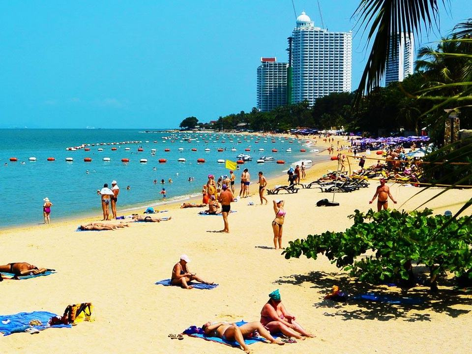 pattaya beach-things to do in pattaya beaches-thailand2