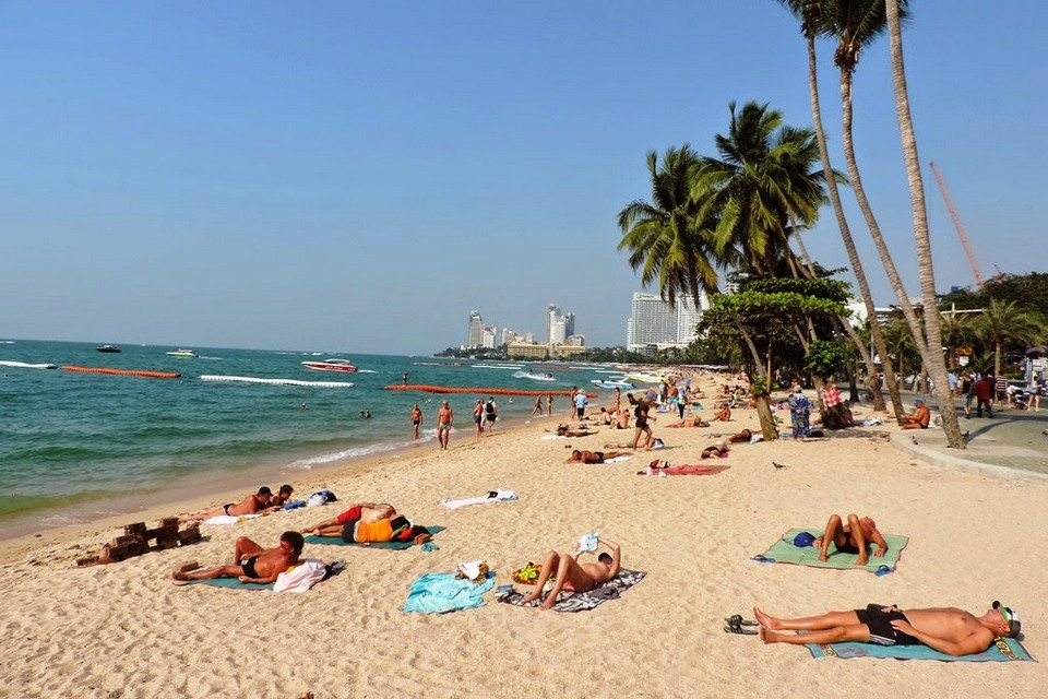 pattaya beach-things to do in pattaya beaches-thailand4