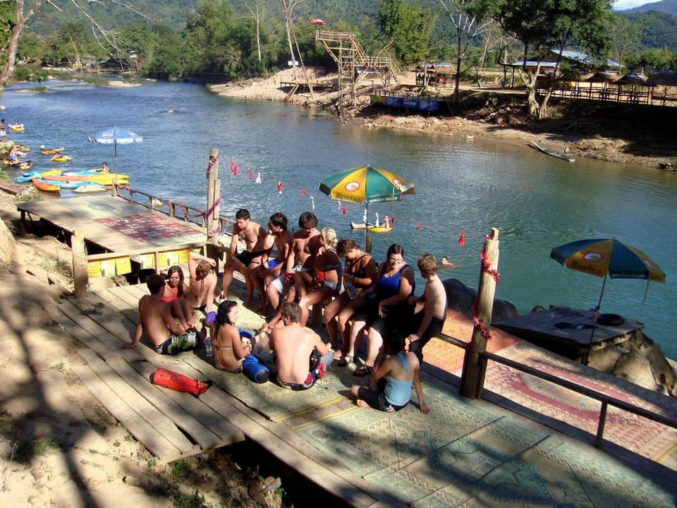 tubing-vang-vieng-come and experience tubing game at vang vieng-laos10